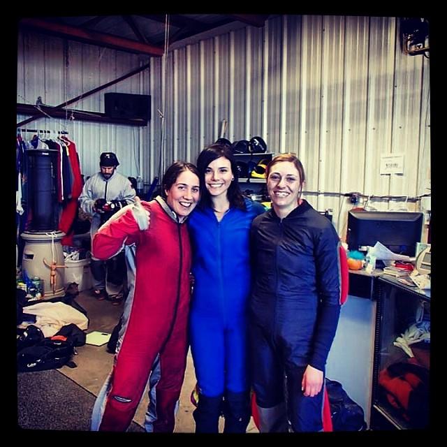 Skydive girls